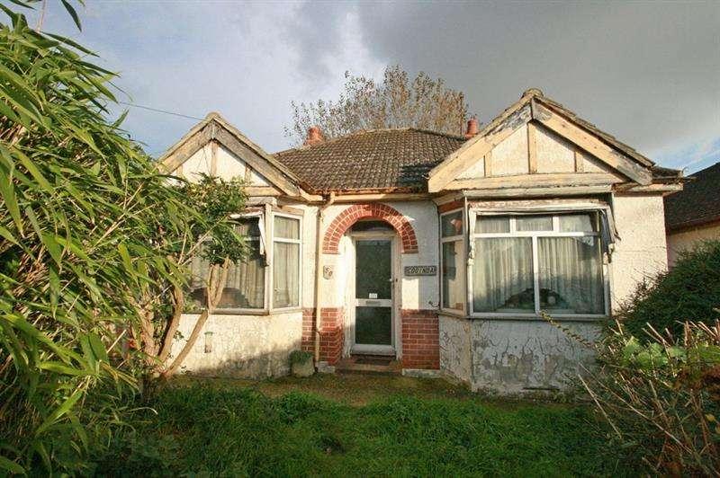 2 Bedrooms Detached Bungalow for sale in Maylands Road, Havant