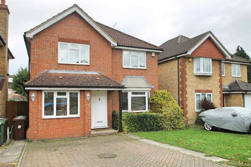 4 Bedrooms Detached House for sale in The Birches, Bushey