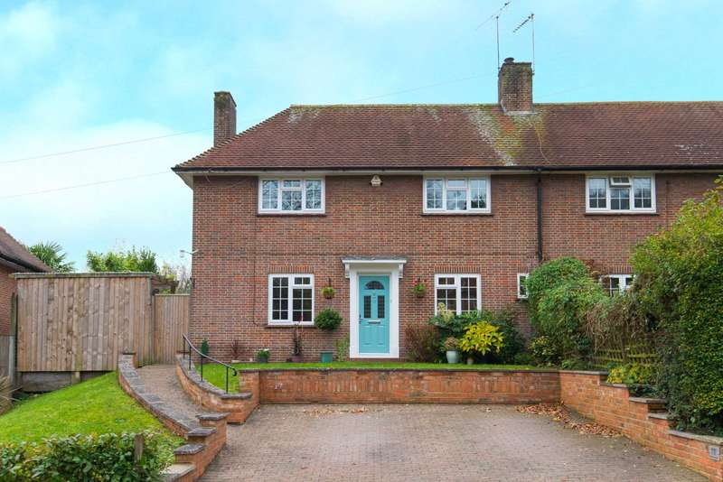 4 Bedrooms Semi Detached House for sale in Coram Close, Berkhamsted