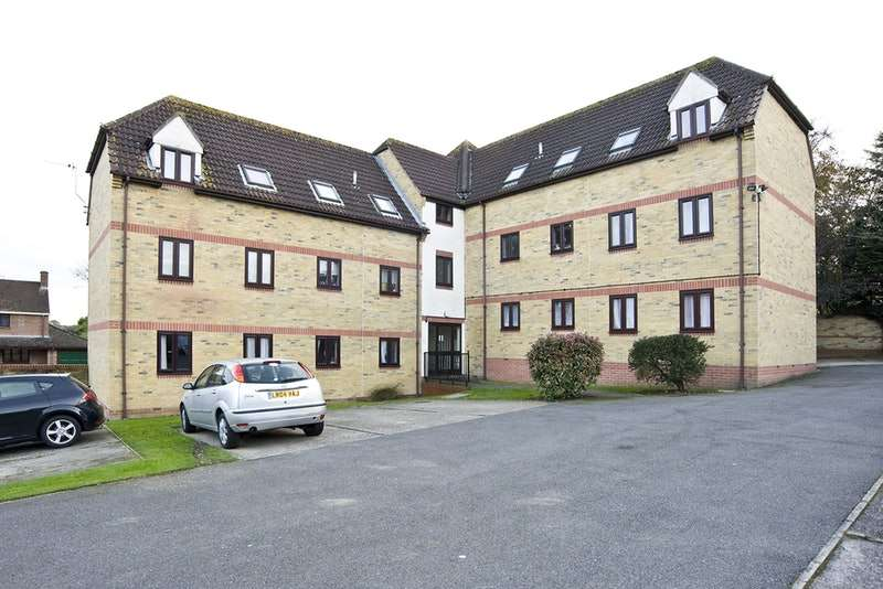 2 Bedrooms Flat for sale in Abels Road, Halstead, Essex, CO9