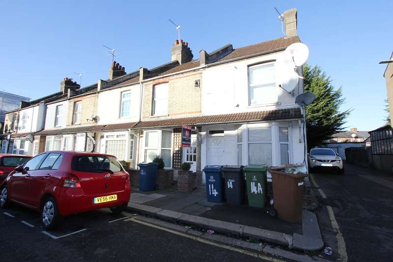 2 Bedrooms Terraced House for sale in Mead Road, Edgware, Greater London. HA8 6LJ