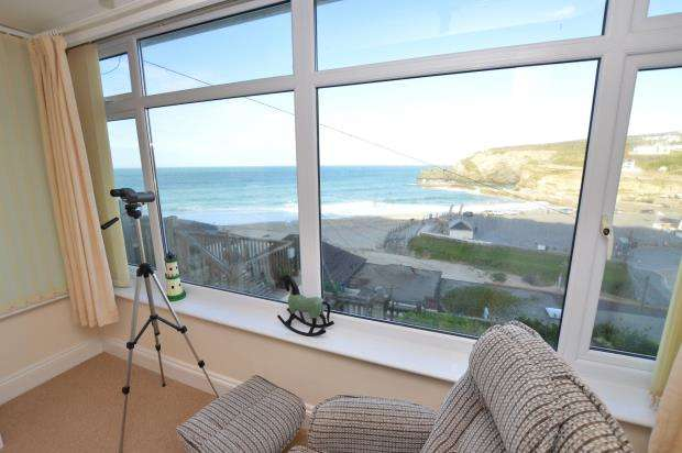 2 Bedrooms Semi Detached House for sale in Battery Hill, Portreath, Redruth, Cornwall