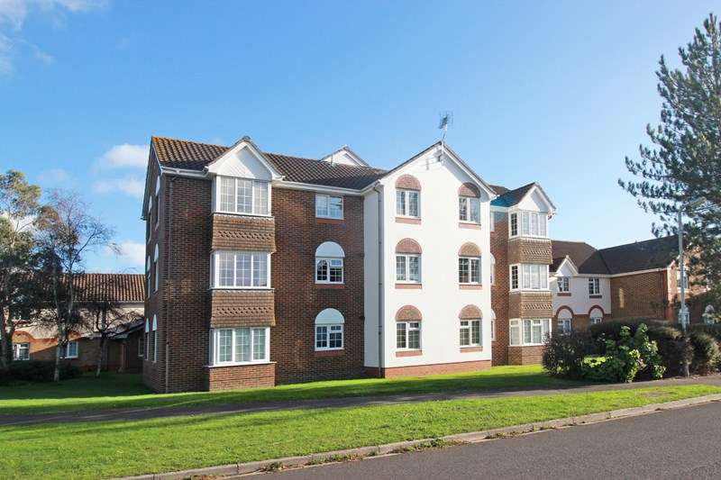 1 Bedroom Flat for sale in Wentworth Drive, Christchurch
