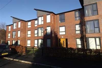 2 Bedrooms Flat for rent in Medlock Place, Droylsden, M43