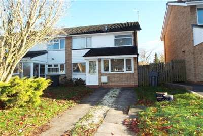 3 Bedrooms Semi Detached House for rent in Coniston Close, Bromsgrove