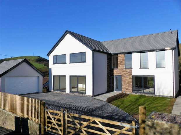 5 Bedrooms Detached House for sale in Mountain Road, Llangeinor, Bridgend, Mid Glamorgan