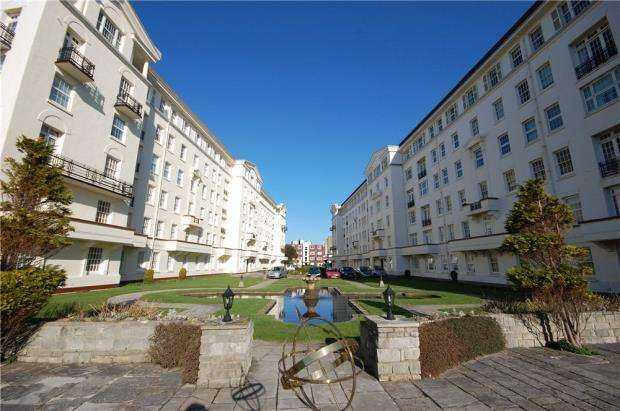 3 Bedrooms Flat for sale in Bournemouth, Dorset, BH1