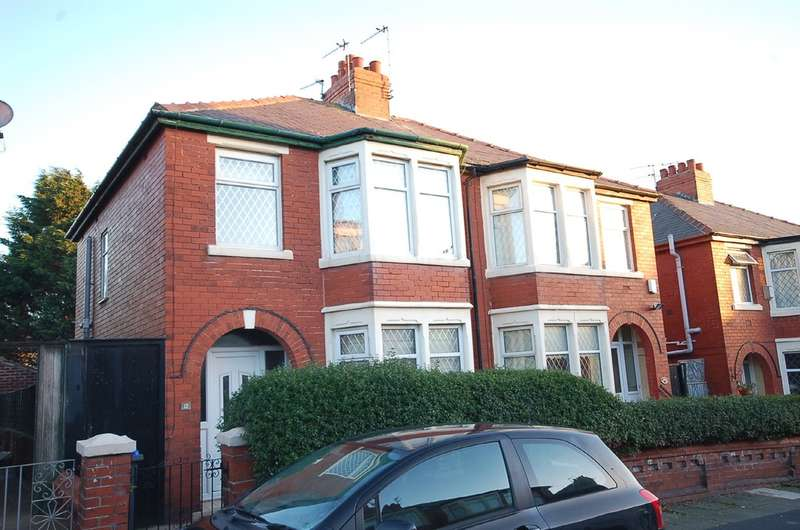 3 Bedrooms Semi Detached House for sale in Auburn Grove, Blackpool