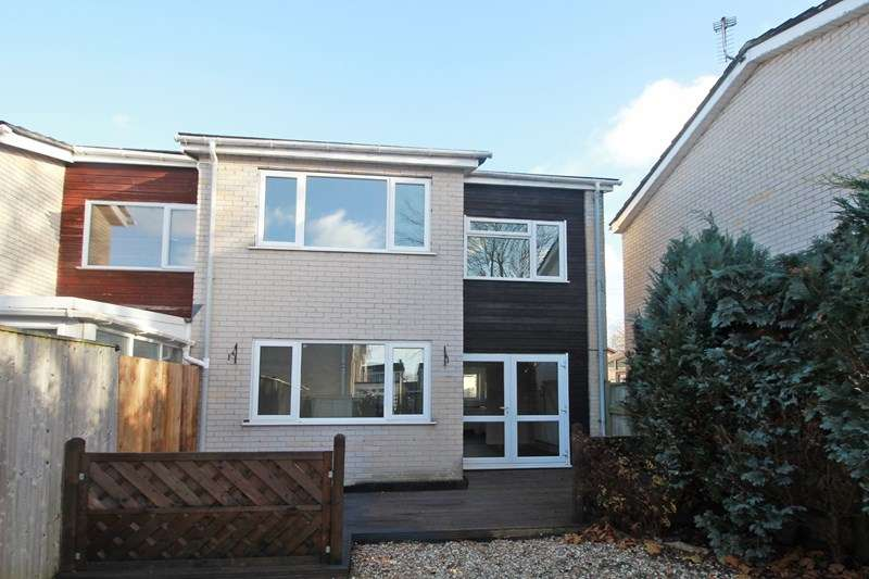 3 Bedrooms End Of Terrace House for sale in Avon View Road, Burton, Christchurch