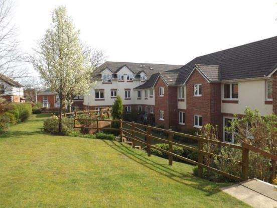 2 Bedrooms Retirement Property for sale in Clarence Road, Fleet, Hampshire
