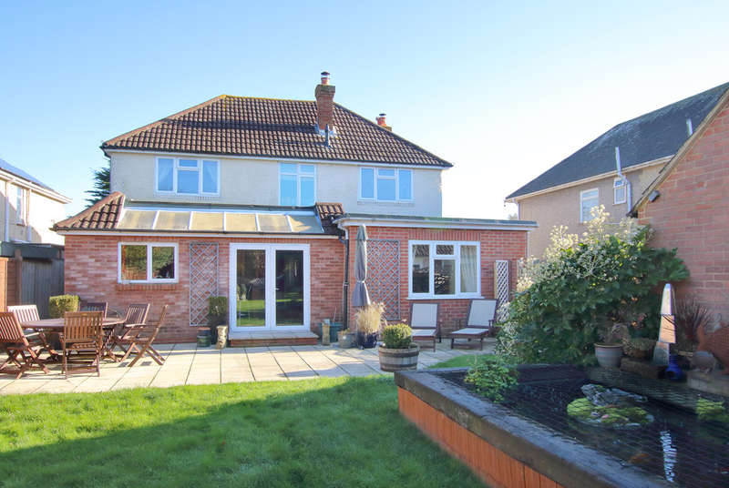 5 Bedrooms Detached House for sale in Southampton Road, Lymington, Hampshire