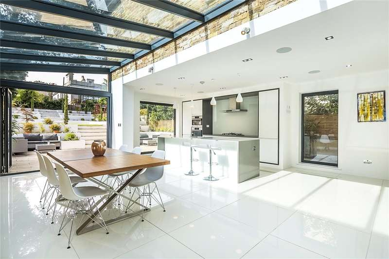 4 Bedrooms Semi Detached House for sale in Hamlet Road, London, SE19