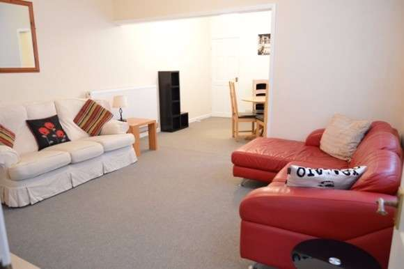 4 Bedrooms Semi Detached House for rent in Stanley Road, Hartshill, Stoke-On-Trent
