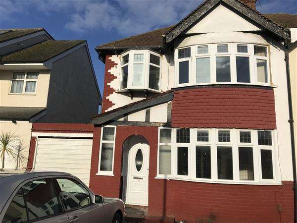 3 Bedrooms Semi Detached House for rent in Grasmere Avenue, WHITTON