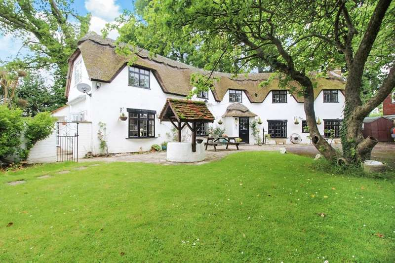 6 Bedrooms Detached House for sale in The Thatched House, Lymington, SO41