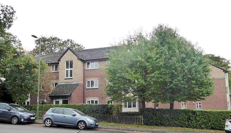 1 Bedroom Flat for sale in Westwood Court, High Street, West End, Southampton, SO30