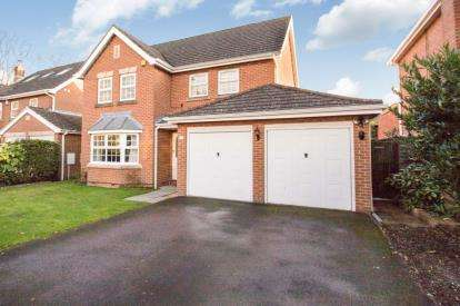 4 Bedrooms Detached House for sale in Purbrook, Waterlooville, Hampshire