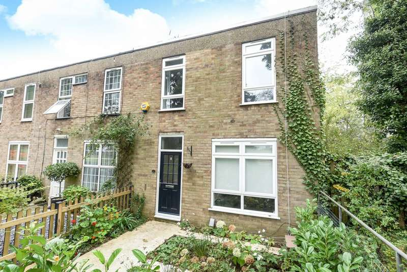 3 Bedrooms Terraced House for sale in Bluebell Close, Sydenham, SE26