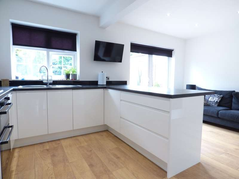 4 Bedrooms Detached House for sale in Oaklands, Rainhill, Merseyside, L35