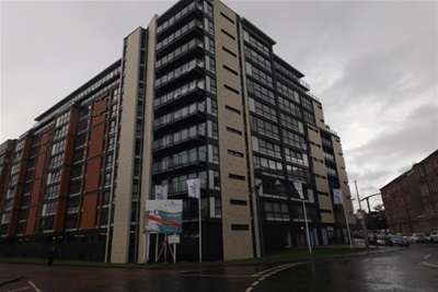 2 Bedrooms Flat for rent in The Verde, Templeton Street, G40