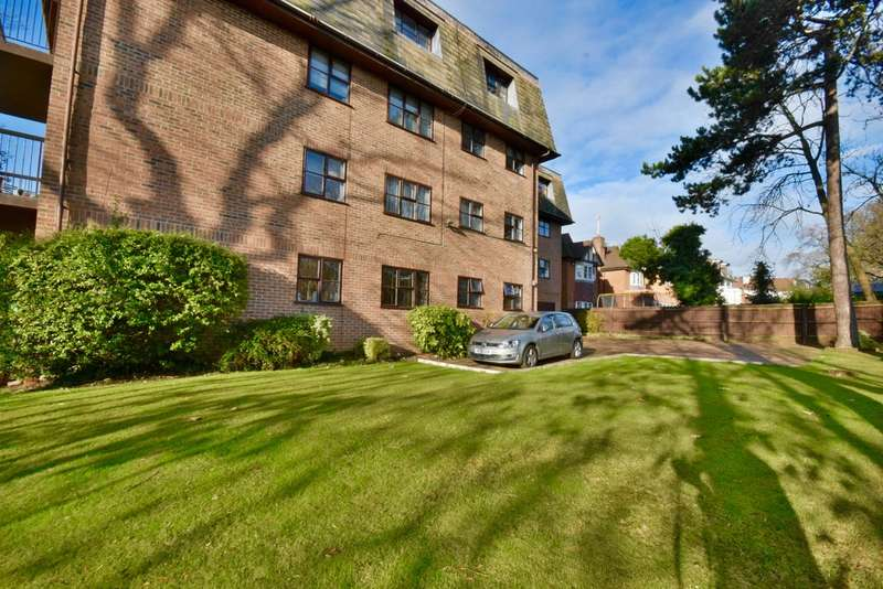 2 Bedrooms Apartment Flat for sale in CANTERBURY COURT, WOODLANDS, GOLDERS GREEN, LONDON, NW11