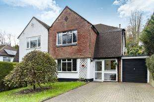 3 Bedrooms Semi Detached House for sale in Whyteleafe Hill, Whyteleafe, Surrey