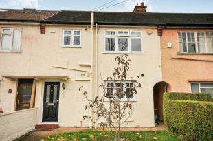 3 Bedrooms Terraced House for sale in Barrow Road, Croydon