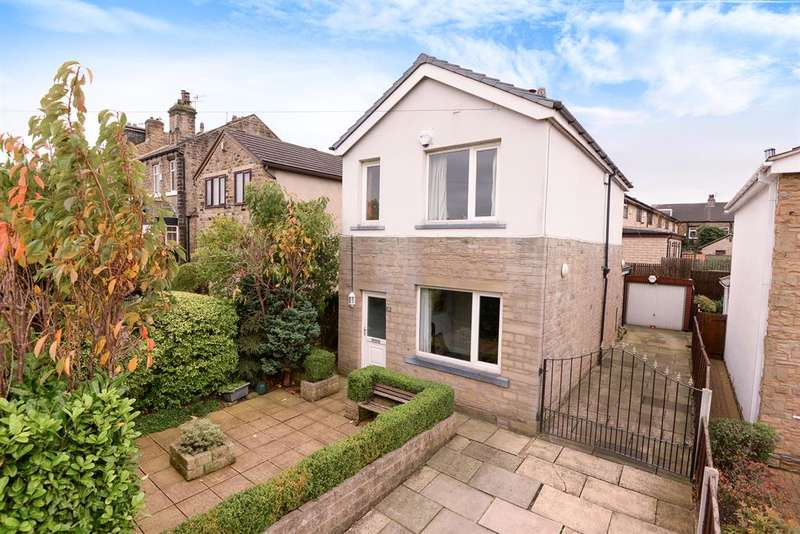 3 Bedrooms Detached House for sale in Carrbottom Road, Greengates, Bradford, BD10 0BB