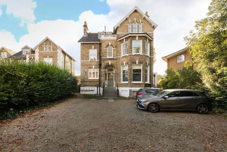 1 Bedroom Flat for sale in Eltham Road Lee SE12
