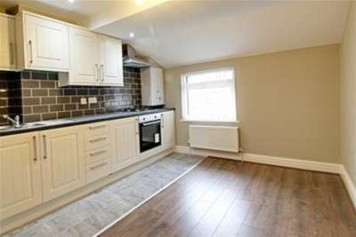 2 Bedrooms Flat for rent in Derby Lane, L13