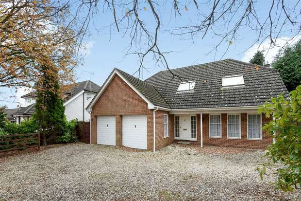 4 Bedrooms Detached House for sale in Bearwood Road, WOKINGHAM, Berkshire
