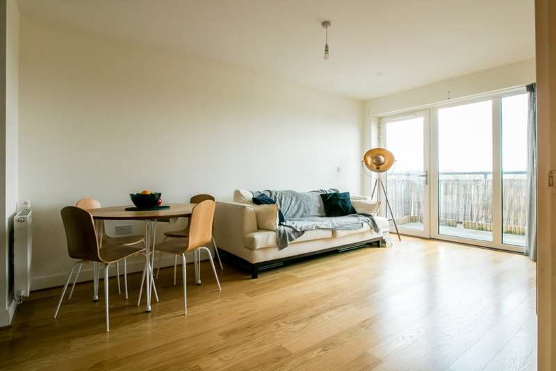 2 Bedrooms Flat for sale in Watson Place, London, London, SE25