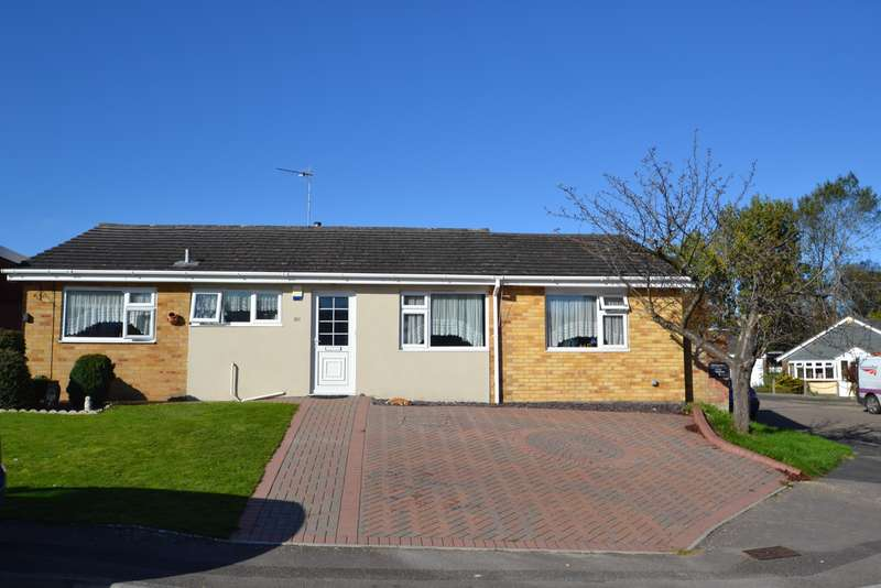 5 Bedrooms Bungalow for sale in Canford Heath