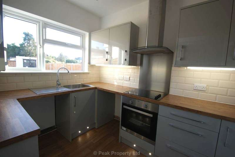 Semi Detached House for sale in Bournemouth Park Road, Southend on Sea