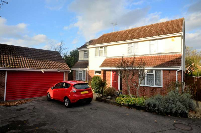 5 Bedrooms Detached House for sale in Penwood Close, Billericay