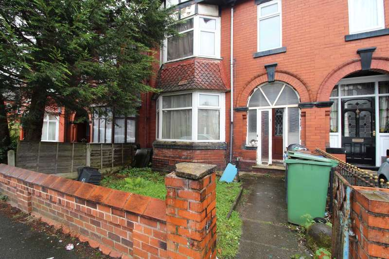 3 Bedrooms Terraced House for sale in Richmond Avenue, Prestwich