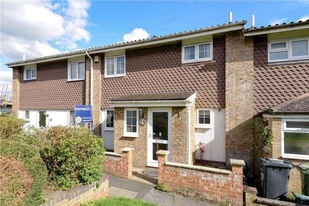 3 Bedrooms Terraced House for sale in Rowan Close, Guildford, Surrey