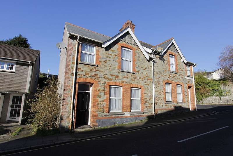 3 Bedrooms Semi Detached House for sale in Higher Lux Street, Liskeard, Cornwall, PL14 3JU