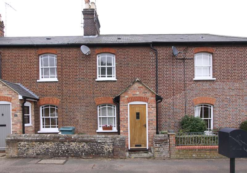 3 Bedrooms Cottage House for rent in Marford Road Wheathampstead AL4