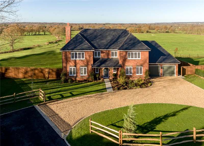 5 Bedrooms Detached House for sale in Godstone Road, Lingfield, Surrey, RH7