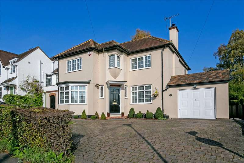 4 Bedrooms Detached House for sale in Hill Rise, Rickmansworth, Hertfordshire, WD3