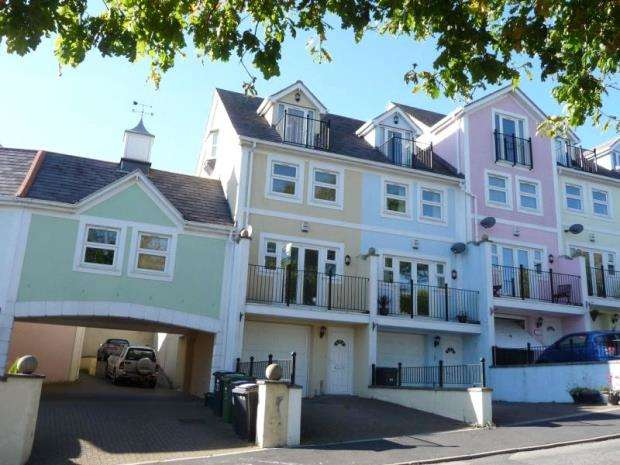 3 Bedrooms End Of Terrace House for sale in Trinity Mews, Teignmouth, Devon
