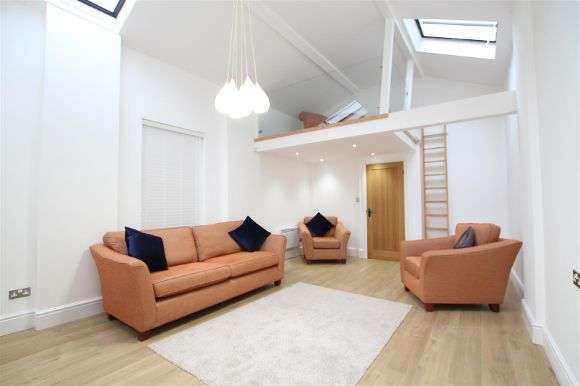 2 Bedrooms Terraced House for sale in Roscoe Street, Liverpool