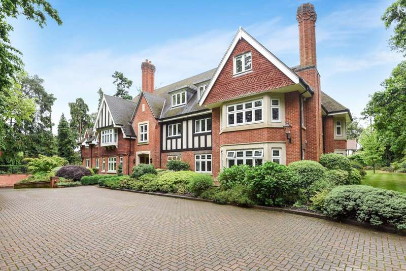 3 Bedrooms Apartment Flat for rent in Woodhayes, Woodlands Road, Surrey