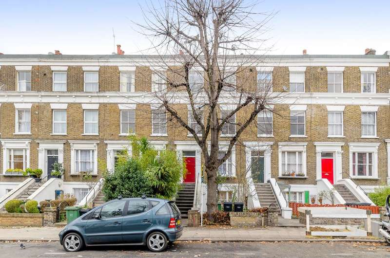 3 Bedrooms Flat for rent in Gaisford Street, Kentish Town, NW5