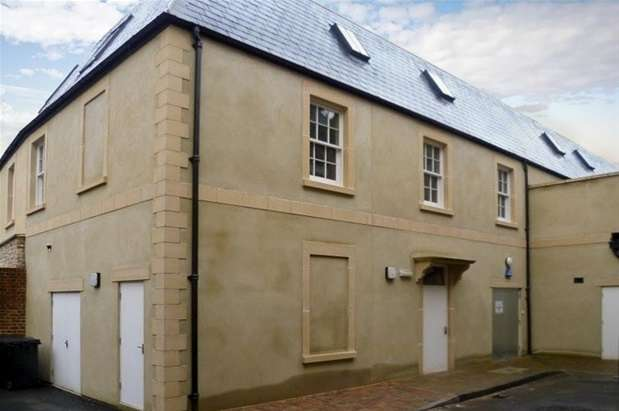 Office Commercial for rent in Market Place