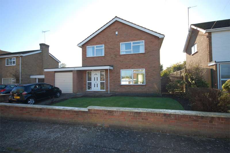 4 Bedrooms Detached House for sale in Malvern Road, Aylesbury, HP20