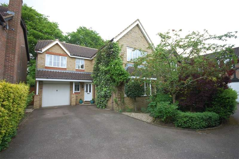 5 Bedrooms Detached House for sale in Beacon Close, Stone, Aylesbury, HP17