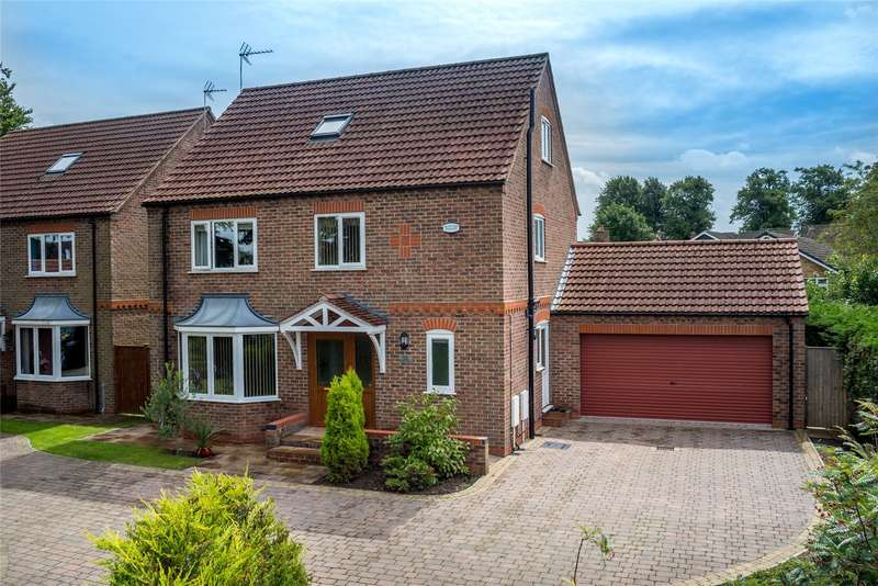 5 Bedrooms Detached House for sale in Back Lane, Riccall, York, YO19