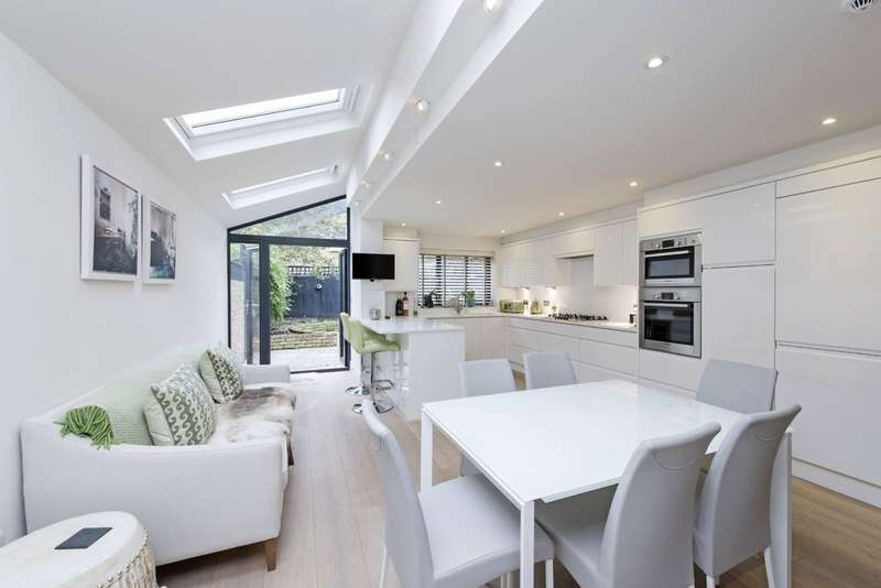 3 Bedrooms Terraced House for sale in Bolingbroke Grove, Battersea, London